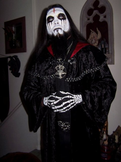 sinister-minister2