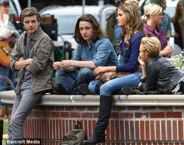 scream4_cast