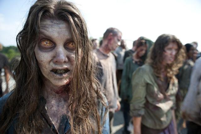 the-walking-dead-season-2-zombie-photo