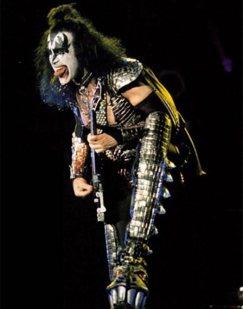 gene_simmons_tongue