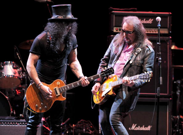LOS ANGELES, CA - MAY 07: Musician Slash and musician Ace Frehley perform at the 6th Annual MusiCares MAP Fund Benefit Concert at Club Nokia on May 7, 2010 in Los Angeles, California. (Photo by Alberto E. Rodriguez/Getty Images)