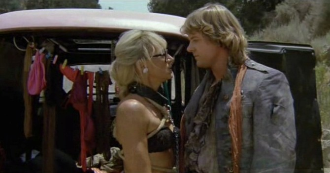 Hell-Comes-to-Frogtown-Sandahl-Bergman-Roddy-Piper-12