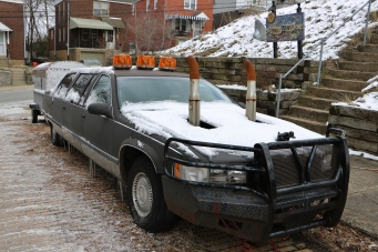 Trundle Manor Car