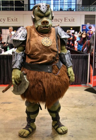C2E2-COSPLAY-GAMORREAN-GUARD