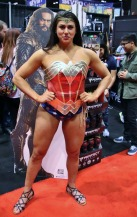 C2E2-COSPLAY-WONDER-WOMAN-2